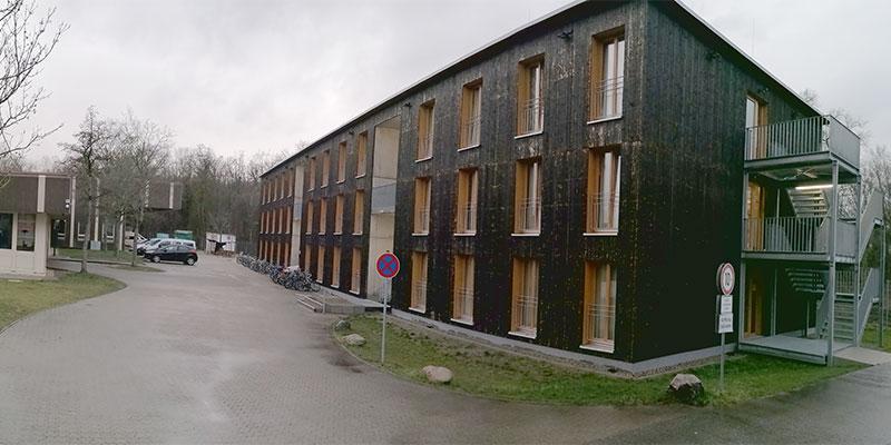 79111-Freiburg-Essilorgebaeude-Obdachlosen-Asylbewerberheim-800_01